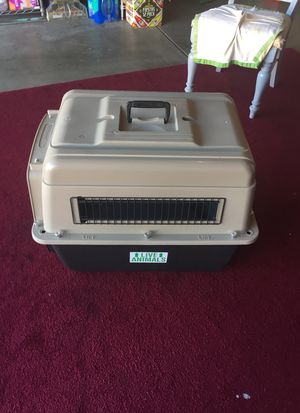 Dog crate for medium size animal used wants to transport have all paperwork very clean for Sale in Burlingame, CA