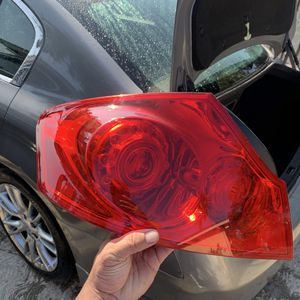 Infinity parts g25 g35 g45 left side tail light for Sale in Los Angeles, CA