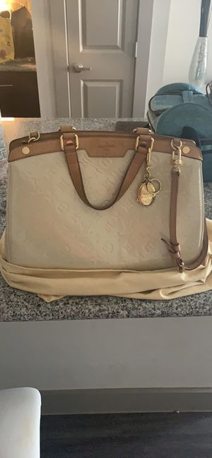 Louis Vuitton slightly used for Sale in Mansfield, TX