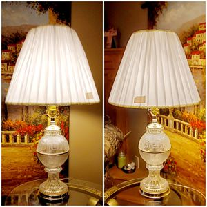 Location WICHITA KANSAS Set Crystal Lamps for Sale in Wichita, KS