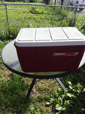 Polylite 34 Coleman Cooler for Sale in Lexington, KY