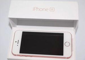New iphone se rose gold 32gb metro pcs tmobile cell phone for Sale in Marietta, GA