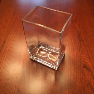 "6"" x 4"" Rectangular Glass Flower Vase for Sale in Chandler, AZ"