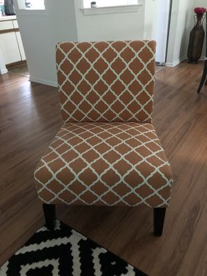 Accent chair for Sale in Monroe Township, NJ