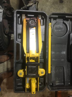 Wilmer 21/4ton floor jack (pending) for Sale in Tacoma, WA