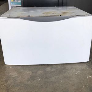 Pedestal for front load washer and dryer for Sale in Montesano, WA