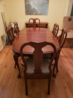 Dining room table set for Sale in Alexandria, VA