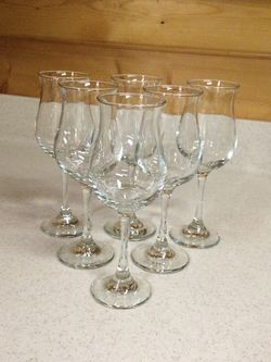 Set Of 6 Long Stem Wine Glasses for Sale in Seneca,  SC