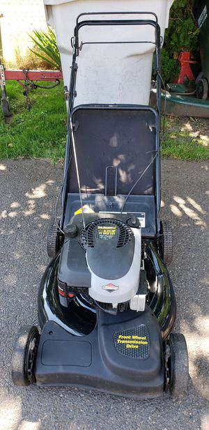 Yard machines self propelled lawn mower! for Sale in Portland, OR