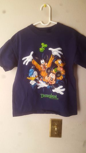 Disney Kids Small T Shirt Disneyland Resort Mickey Donald Pluto for Sale in Riverside, CA