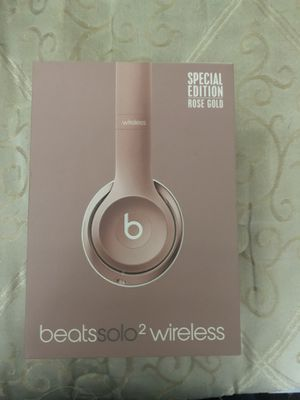Beats solo wireless 2 Special Edition RoseGold for Sale in Houston, TX
