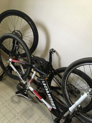 Trek, and bianchi mountain bikes for Sale in Vancouver, WA