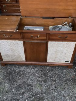 Zenith Mid Century Am/fm/record Player Console for Sale in Naches,  WA