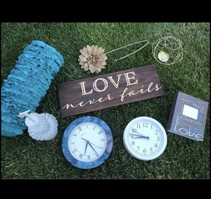 Home / Office Decor - Pillow/Clocks/Pillow/Wooden Sign/Jewelry Holder/Candle Holder/Floral Stem $20 for Sale in Henderson, NV