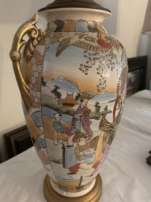 Chinese ceramic vintage table lamp very good condition 34 inch tall for Sale in Henderson, NV