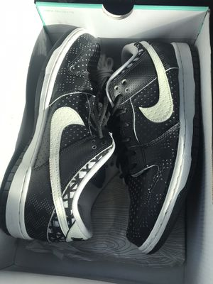 NIKE SB DUNK LOW BHM SZ 9.5 for Sale in Silver Spring, MD