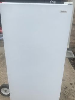 Free Magic Chef Freezer for Sale in Mansfield,  TX