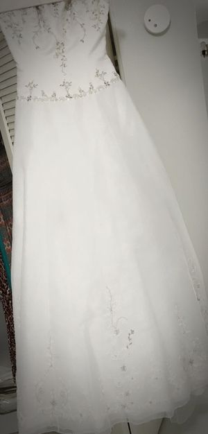 White Strapless Wedding Dress for Sale in Saint Petersburg, FL