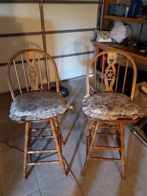 Wooden swivel bar stools for Sale in Fontana, CA