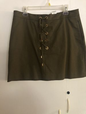 Michael Kors olive green short skirt. New. Pick up only. for Sale in Los Angeles, CA