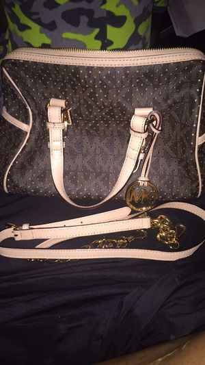 100% Michael kors Grayson satchel *rare* for Sale in Pittsburgh, PA