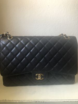 Chanel maxi single flap classic handbag for Sale in Los Angeles, CA