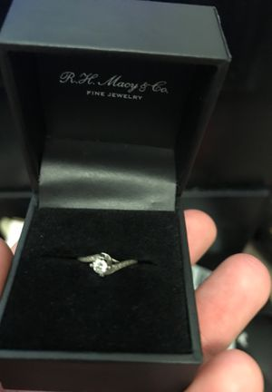Diamond ring for Sale in Fort Leonard Wood, MO