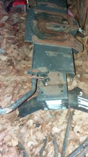 Reese 5th wheel hitch with rails for Sale in Williamsport, PA