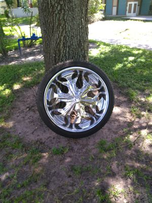 22inch rims with brand new tire for Sale in Saint Petersburg, FL