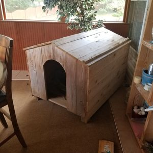 Dog House, for large dogs for Sale in Cumming, GA