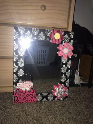 Pictures, Mirror for Sale in Escalon, CA