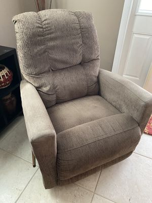 Lazy Boy Recliner for Sale in Palm Springs, FL
