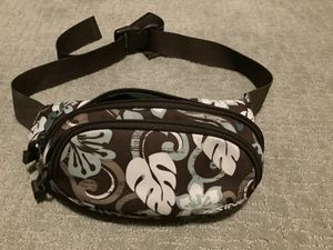 Dakine Hawaiian Flower Waist Belt/Bag $20. for Sale in Scottsdale, AZ