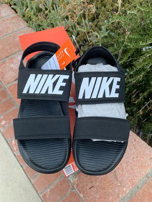Nike sandals for Sale in San Fernando, CA