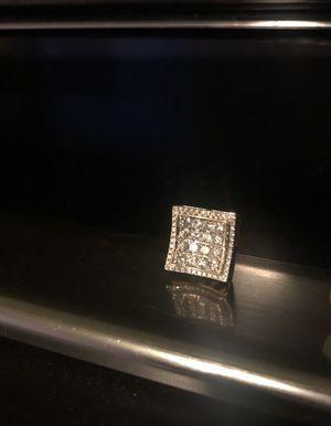 Vs big diamond earring *not small* just one *big diamonds* for Sale in Hayward, CA