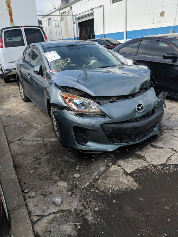 2012 Mazda for parts with 2.0 Motor