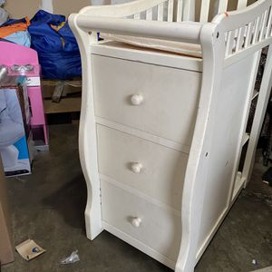 Baby Changing Table All White for Sale in Covina, CA