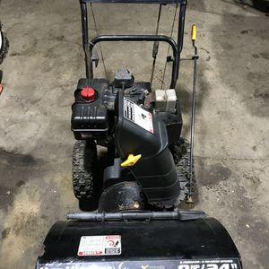 "MTD 8HP 24"" Snowblower Carb Work Needed for Sale in Plainville, CT"