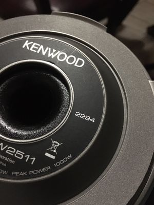10 inches 1000 watts kenwood for Sale in Boston, MA
