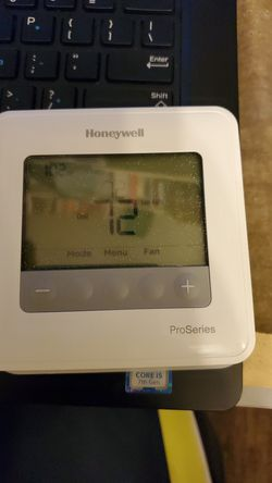 Honeywell Programable Thermostat for Sale in Rockville Centre,  NY