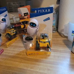 Disney PIXAR WALL*E /EVE for Sale in Waite Hill, OH