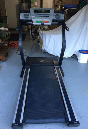 Treadmill NordicTrack E3800 for Sale in Oviedo, FL