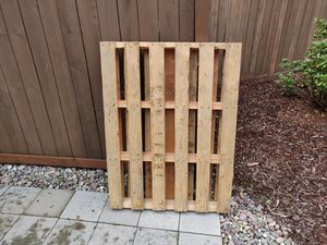 Free Wood Pallet for Sale in Tacoma, WA