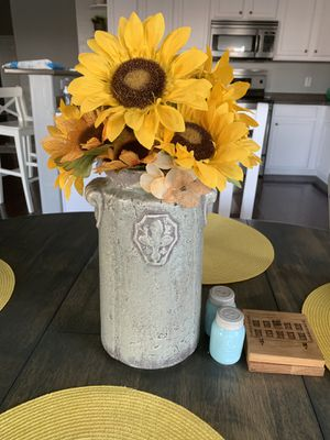 Large grey vintage shabby chic vase for Sale in Queen Creek, AZ