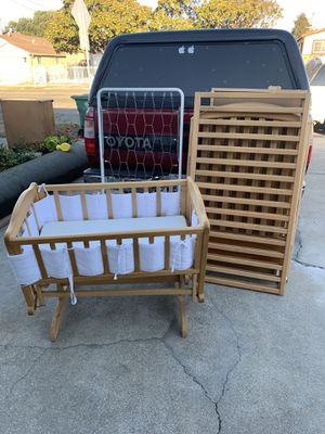 Baby Crib and drawer for Sale in Richmond, CA