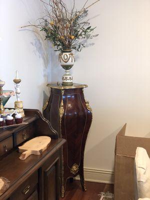 Corner stand / shelf for Sale in Beverly Hills, MI