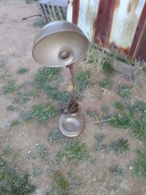 Vintage desk top lamp for Sale in Tucson, AZ