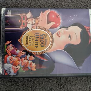 Snow White And The Seven Dwarfs Platinum Edition for Sale in Columbus, OH