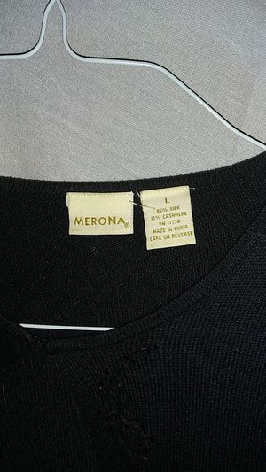 Merona woman's over dress sweater size large silk&cashmere for Sale in Seattle, WA