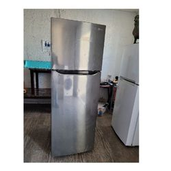 LG Refrigerator for Sale in Los Angeles,  CA